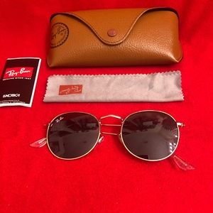 Ray-Ban Round Black Unisex Sunglasses